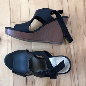 AE wedge sandals